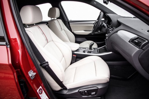 BMW X4 interior front - carwitter