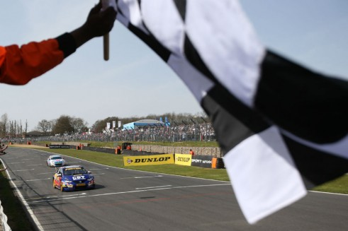 BTCC 2014 - Brands Hatch Indy - Jordan Chequered Flag - carwitter