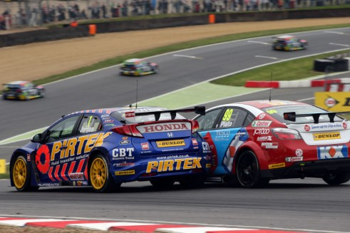 BTCC 2014 - Brands Hatch Indy - Jordan Plato Action - carwitter