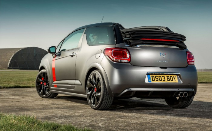 Citroen DS3 Cabrio Racing rear carwitter w1024 700x432 - Citroen DS3 Cabrio Racing specs - Citroen DS3 Cabrio Racing specs