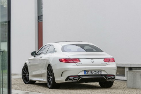 Mercedes-Benz S 63 AMG Coupé - Rear - carwitter