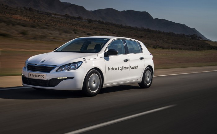 Peugeot 308 1.2 carwitter 700x432 - Peugeot introduce 99mpg engine - Peugeot introduce 99mpg engine
