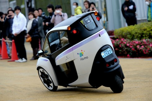 Toyota i-ROAD rear - carwitter
