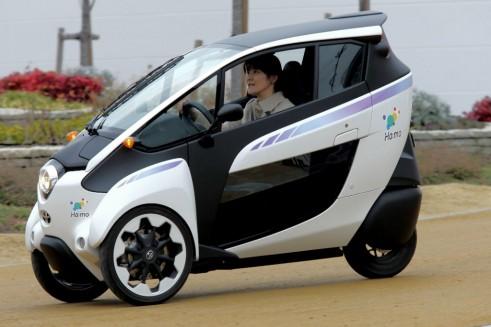 Toyota i-ROAD side 2 - carwitter