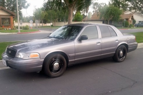 2006 Ford Crown Victoria - Front - carwitter