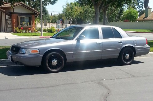 2006 Ford Crown Victoria - Side - carwitter