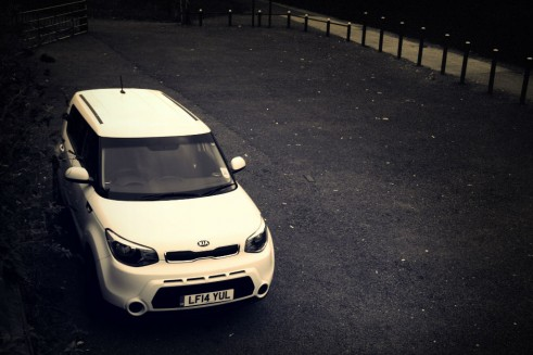 2014 Kia Soul - Overhead Front - carwitter