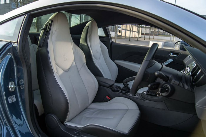 2014 Peugeot RCZ THP 200 Review - Front Seats - carwitter