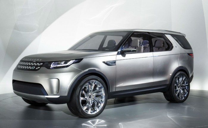 Discovery Vision Concept Front Angle carwitter 700x432 - Land Rover Discovery Vision Concept - Land Rover Discovery Vision Concept