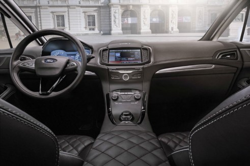 Ford S-Max Vignale interior  - carwitter