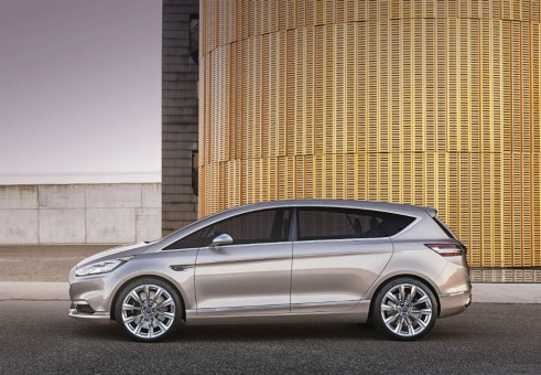 Ford S-Max Vignale side  - carwitter