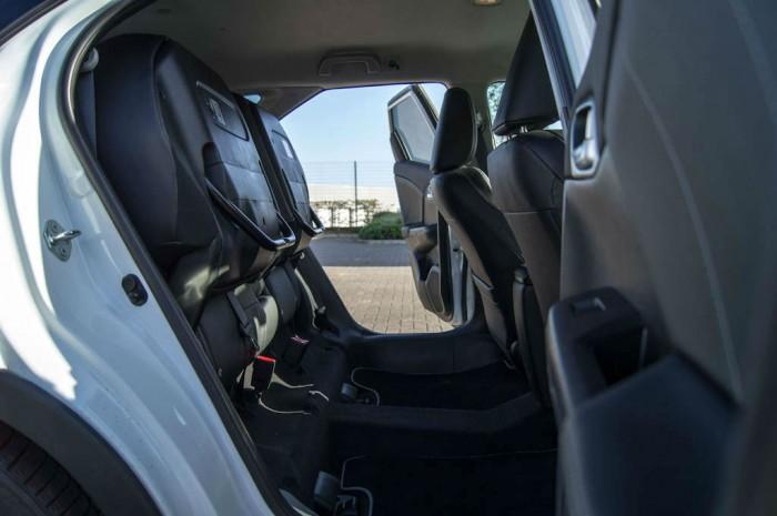 Honda Civic Tourer Review - Magic Seats - carwitter