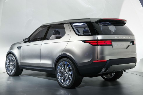 Land Rover Discovery Vision Concept - Rear Angle - carwitter