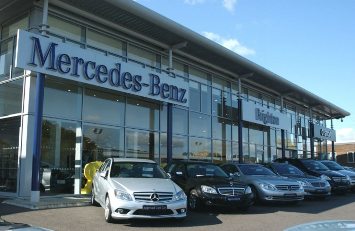 Mercedes Benz Approved Used Forecourt Brighton carwitter 700x456 - Ultimate Guide to Financing a Car - Ultimate Guide to Financing a Car