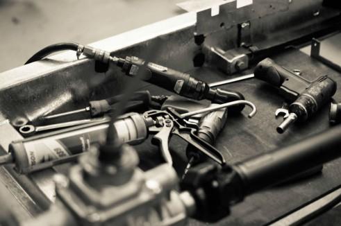 Morgan Factory Visit Tour - Tools Close Arty - carwitter