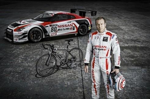 Sir Chris Hoy Nissan GTR GT3 & Bike British GT - carwitter
