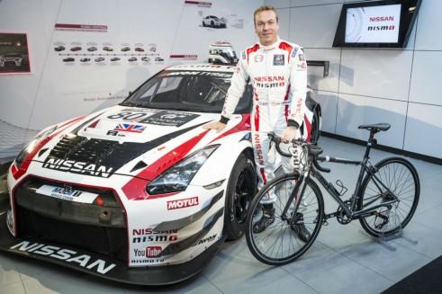 Sir Chris Hoy Nissan GTR GT3 British GT 2 - carwitter