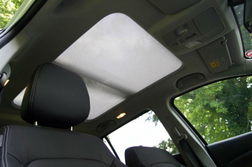 Suzuki SX4 S-Cross Review - Sunroof Blind - carwitter