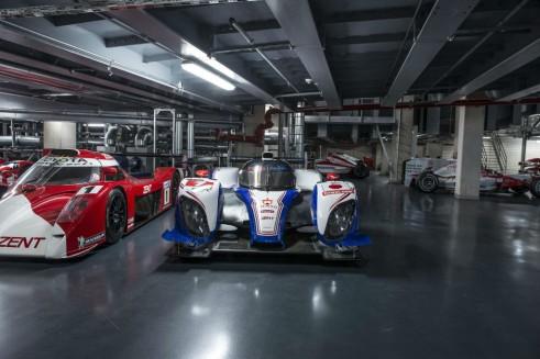 Toyota TS030 Hybrid 2012 carwitter 491x327 - Toyota's Le Mans History - Toyota's Le Mans History