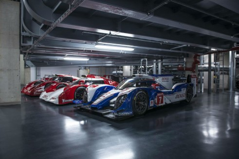Toyota TS030 Lineup - carwitter