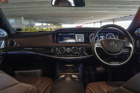 2014 Mercedes S Class Review Dashboard carwitter 491x326 - A Night with a Mercedes Benz S Class - A Night with a Mercedes Benz S Class