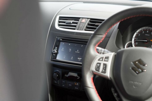 2014 Suzuki Swift Sport Review Infotainment Scene carwitter 491x326 - 2014 Suzuki Swift Sport Review – It just gets better - 2014 Suzuki Swift Sport Review – It just gets better