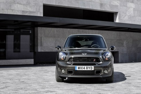 Mini Cooper S Paceman - Front - carwitter