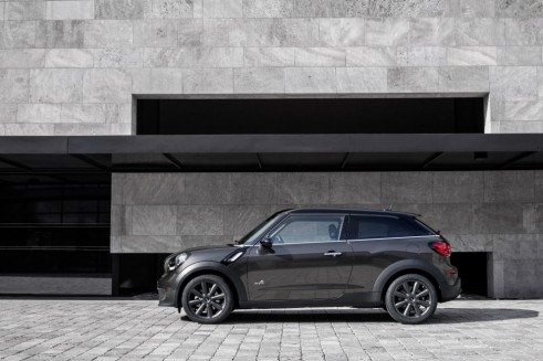 Mini Cooper S Paceman - Side - carwitter