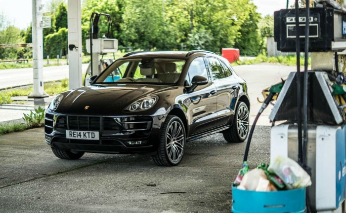 Porsche Macan Turbo Review Front Main carwitter 700x432 - Porsche Macan Turbo Review – The baby Porsche - Porsche Macan Turbo Review – The baby Porsche