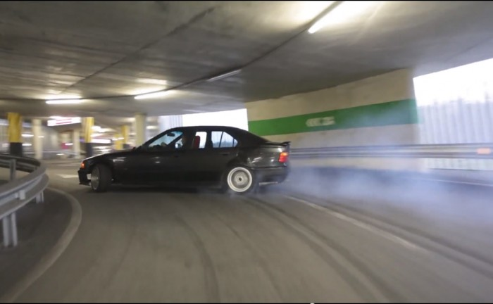 Screen Shot 2014 05 09 at 21.14.52 700x432 - How to drift in a car park - How to drift in a car park