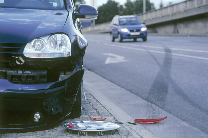 Car Crash carwitter 700x464 - Traffic Collision Main Causes - Traffic Collision Main Causes