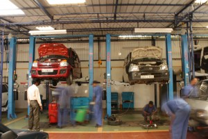 Car Service Garage carwitter 300x200 - 4 Ways to Ensure Your Car Passes an MOT - 4 Ways to Ensure Your Car Passes an MOT