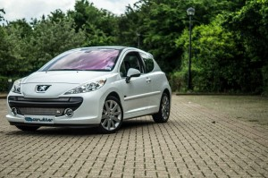 Peugeot 207 GT Front Angle carwitter 300x199 - Why i love my car - 2007 Peugeot 207 GT - Why i love my car - 2007 Peugeot 207 GT
