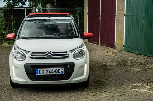 2014 Citroen C1 Review - Front High - Carwitter