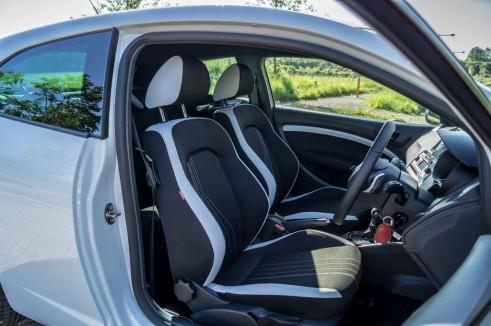 2014 Seat Ibiza Cupra Front Seats carwitter 491x326 - 2014 Seat Ibiza Cupra Review - The outsider - 2014 Seat Ibiza Cupra Review - The outsider