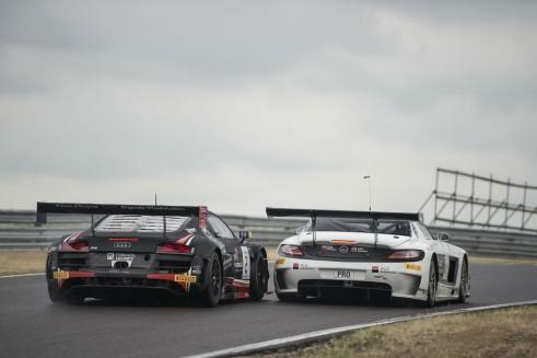 Blancpain Sprint Series Zandvoort Rast passes Buhk - carwitter