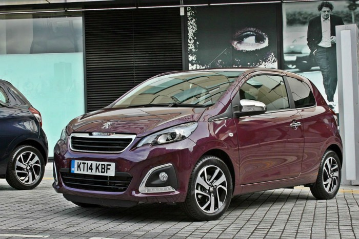 Peugeot 108 Review Front Angle carwitter 700x467 - Peugeot 108 Review – A grown up city car - Peugeot 108 Review – A grown up city car