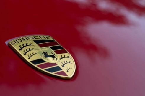 2014 Porsche Cayman Review - Badge - carwitter