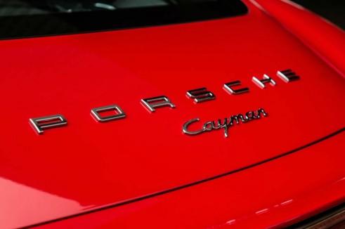 2014 Porsche Cayman Review - Rear Badge - carwitter