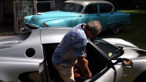90YearOldManElise 300x169 - 90-year-old man getting in and out of a Lotus Elise with no problem - 90-year-old man getting in and out of a Lotus Elise with no problem