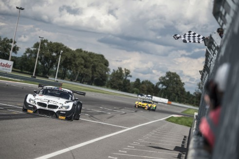 Blancpain Sprint Series 2014 Slovakia Finish carwitter 491x327 - Blancpain 2014 – Slovakia – Baumann and Jager storm to triumph - Blancpain 2014 – Slovakia – Baumann and Jager storm to triumph