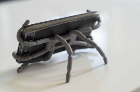 Breffo Spiderpodium Review Phone Horizontal Desk Rear carwitter 491x326 - Breffo Spiderpodium Review – A universal solution - Breffo Spiderpodium Review – A universal solution