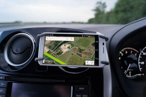 Breffo Spiderpodium Review Phone Horizontal In Car carwitter 491x326 - Breffo Spiderpodium Review – A universal solution - Breffo Spiderpodium Review – A universal solution