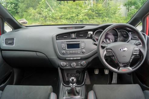 Kia Ceed GT Review Dashboard carwitter 491x326 - Kia Ceed GT Review – Four door fast - Kia Ceed GT Review – Four door fast