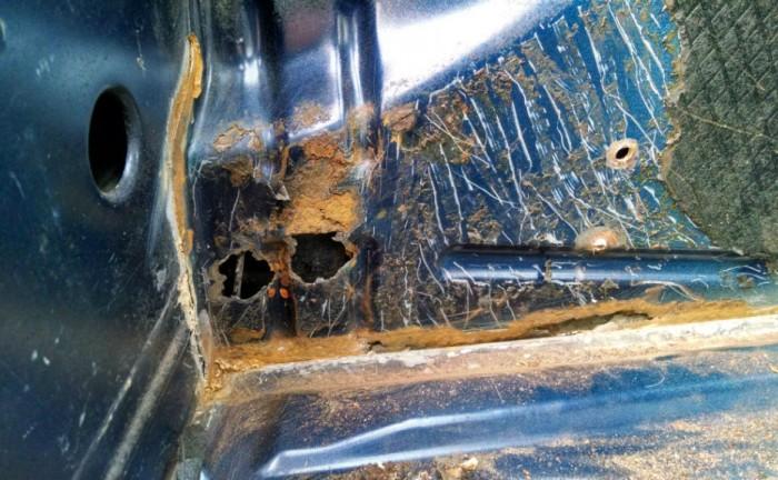 Peugeot 106 GTi Boot Rust Carwitter 700x432 - PROJECT 106 GTi - Rust - PROJECT 106 GTi - Rust
