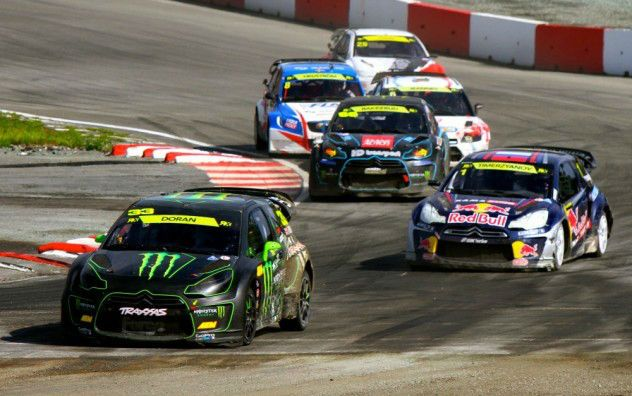 2014 FIA Rallycross Action - carwitter