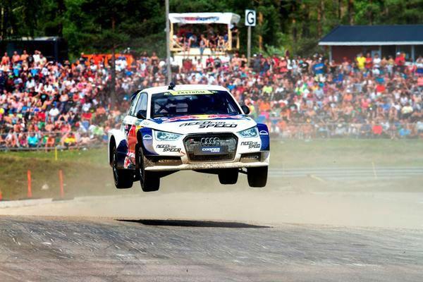 2014 FIA Rallycross Audi Jump - carwitter