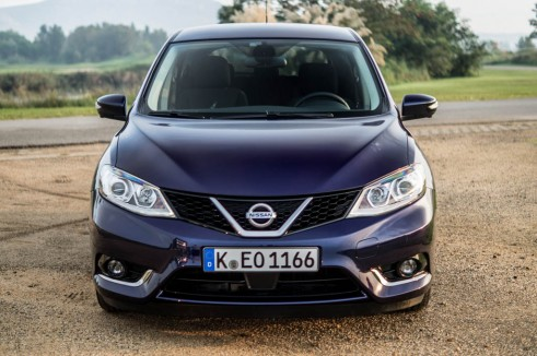 2014 Nissan Pulsar 1.2 DIG-T Review - Front - carwitter