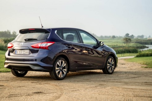 2014 Nissan Pulsar 1.2 DIG-T Review - Rear Angle - carwitter