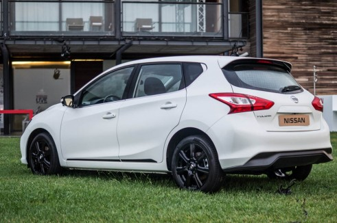 2014 Nissan Pulsar 1.2 DIG T Review White Rear Side carwitter  491x326 - Nissan Pulsar 1.2 DiG-T Review – Nissan's family hatch contender - Nissan Pulsar 1.2 DiG-T Review – Nissan's family hatch contender